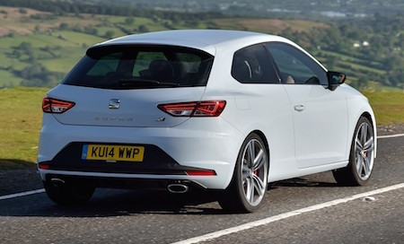 SEAT Leon Cupra action rear