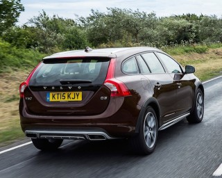 Volvo V60 Cross Country estate rear action