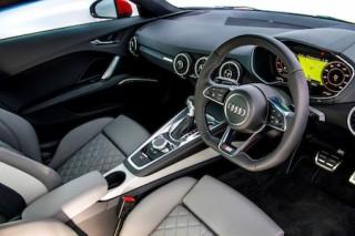 Audi TT front interior2