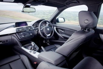 BMW 3 Series Touring front interior 1