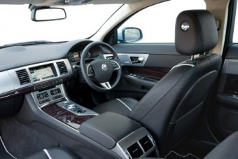 Jaguar XF Saloon driver seat