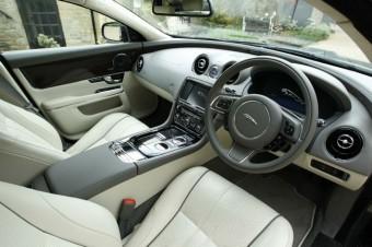 Jaguar XJ front interior