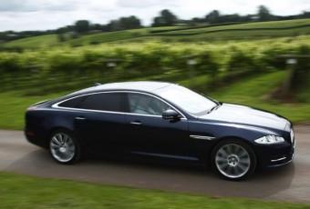 Jaguar XJ side action