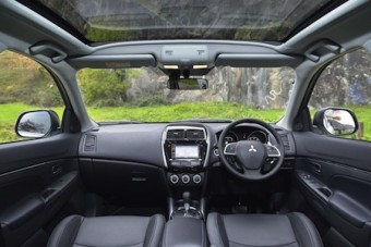 Mitsubishi ASX4 front interior