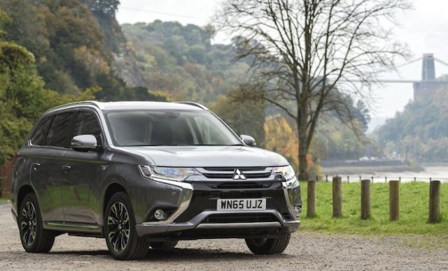 New Mitsubishi Outlander Phev Powers Jobs Amp Sales Wheels