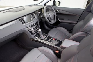 Peugeot 508 revised front interior