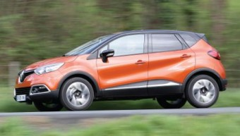 Renault Captur MY14 side action 2
