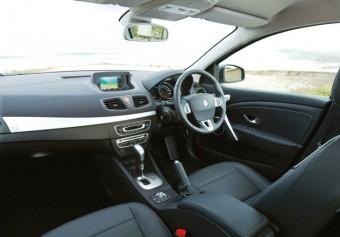 Renault Fluence front interior