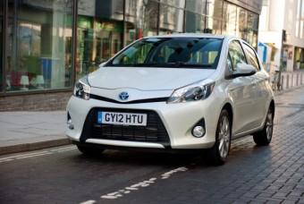 Toyota Yaris Hybrid 013