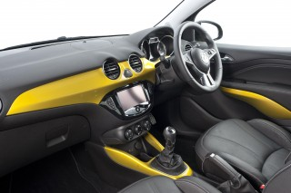 Vauxhall Adam Rocks int front