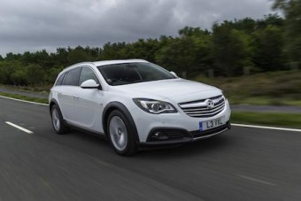 Vauxhall Insignia CT front moving