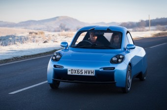 On road in the Rasa hydrogren test car