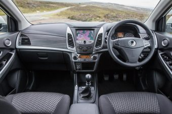 SsangYong Korando LE int front