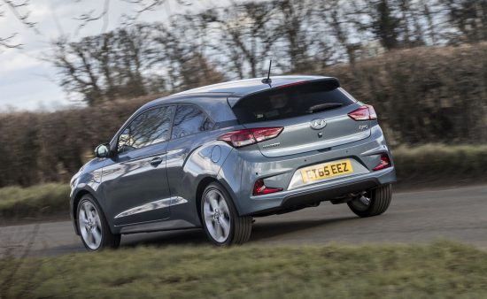 hyundai-i20-coupe-sn-action-rear