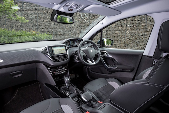 peugeot-2008-new-allure-front-interior