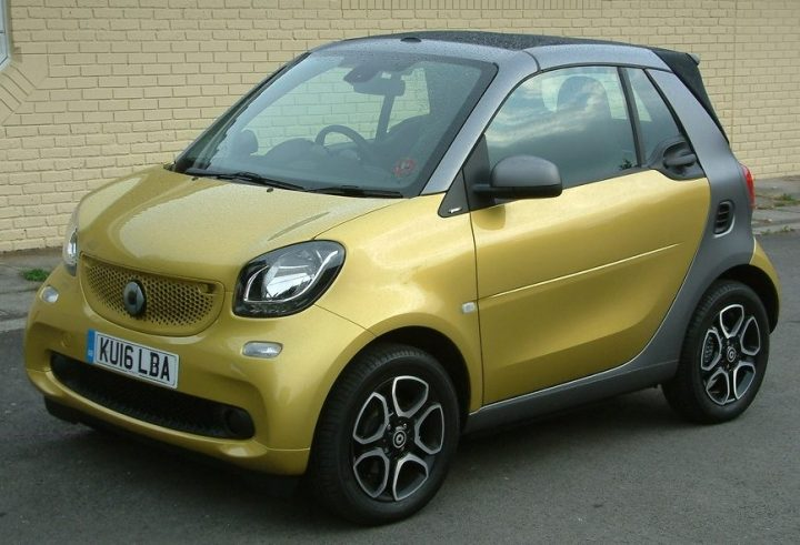 smart-fortwo-cabrio-front-static-2