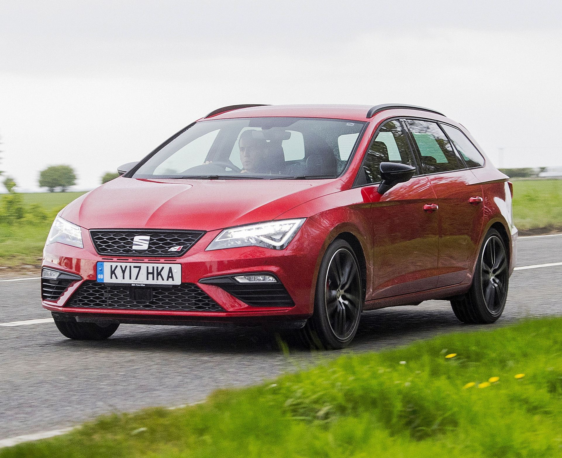 sunday drive seat leon cupra st 4drive wheels within wales. Black Bedroom Furniture Sets. Home Design Ideas