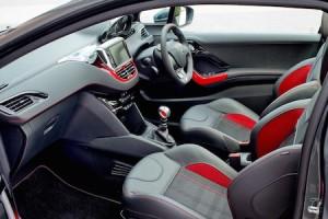Peugeot 208 GTi front interior