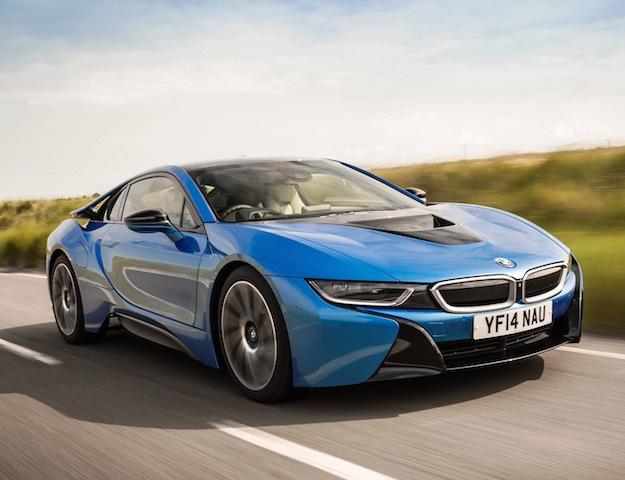 BMW i8 side front action