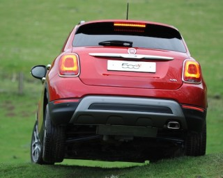 Fiat 500X action rear lifting