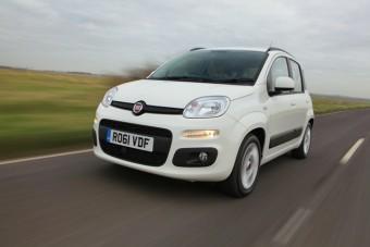 Fiat Panda front overtaking med