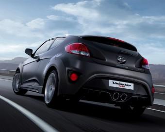 Hyundai Veloster Turbo SE rear action