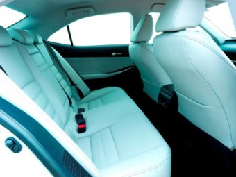 Lexus IS 300h improved rear seat space
