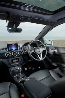 MB B Class front int