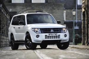 Mitsubishi Shogun LWB static front
