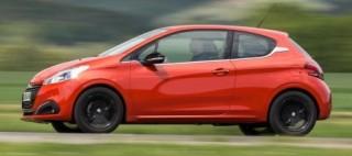 Peugeot 208 side action