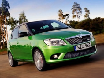 Skoda Fabia vRS hatch side front action