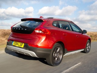 Rear, 3/4, dynamic image of the Volvo V40 Cross Country