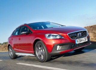 Front, 3/4, dynamic image of the Volvo V40 Cross Country