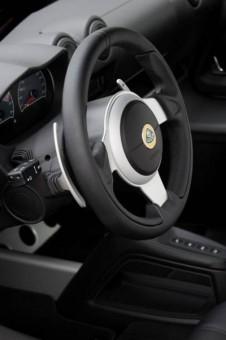 Lotus Exige S auto paddles