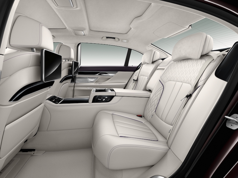 Roomy and refined rear seats for two