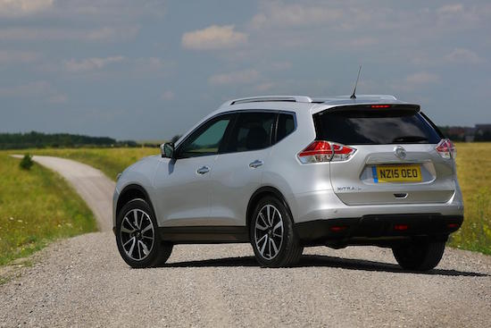 Popular Nissan X Trail happy soft-roading