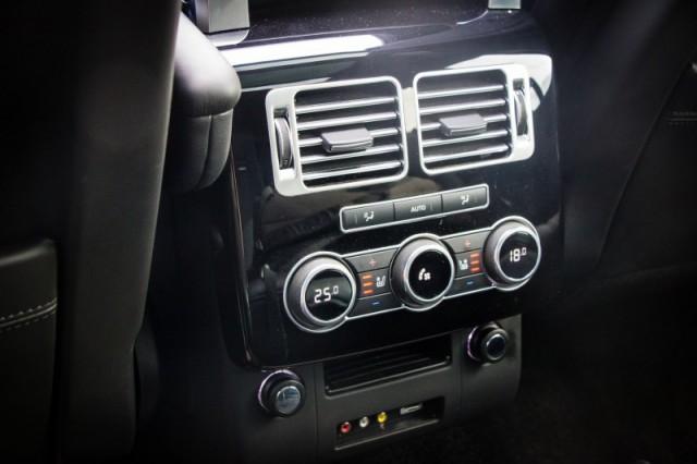 Rear console climate controls