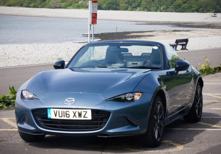 Mazda MX-5 at play by the seaside