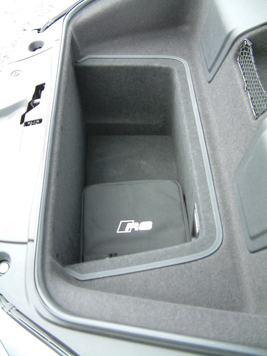 Audi R8 V10 2016 Front bootspace