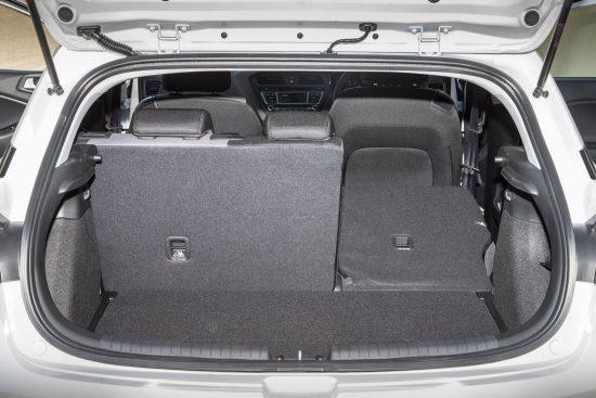hyundai-i20-coupe-sn-boot