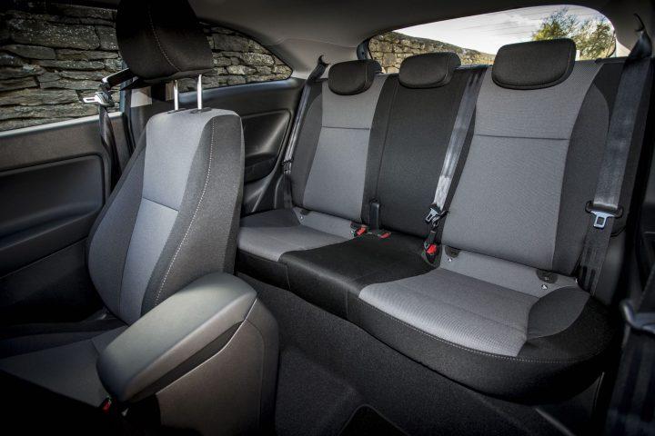 hyundai-i20-coupe-sn-int-back