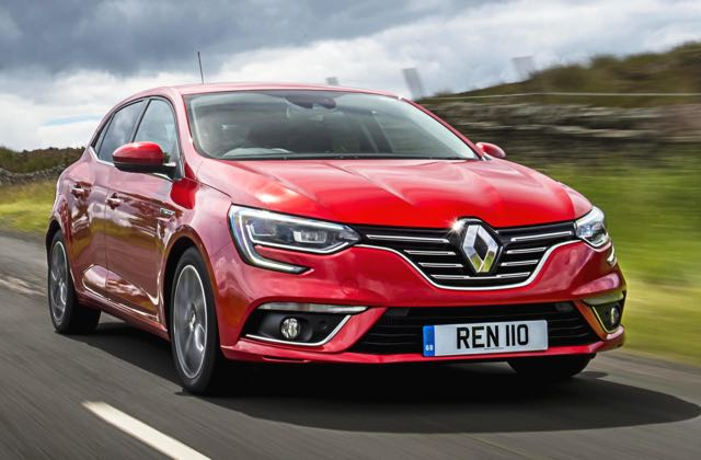 new-renault-megane-hatchback-front-side-action